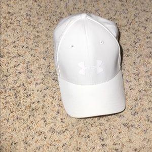 New under armour white golf hat driver hat. XL